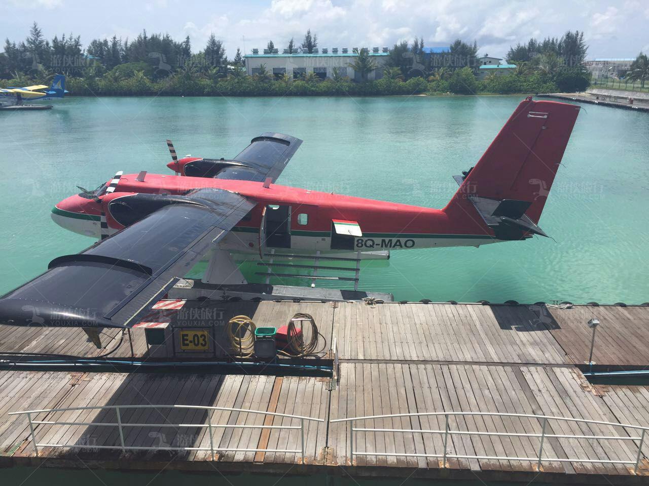 马尔代夫薇拉瓦鲁海龟岛的水飞机