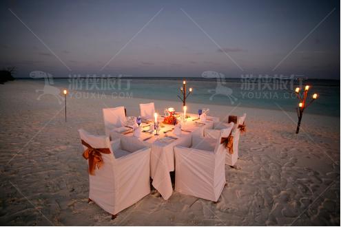 浪漫海边烛光晚餐