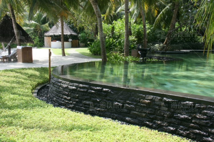 小孩子用的小型戏水池