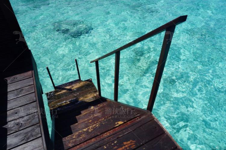 楼梯可以直接通往水里