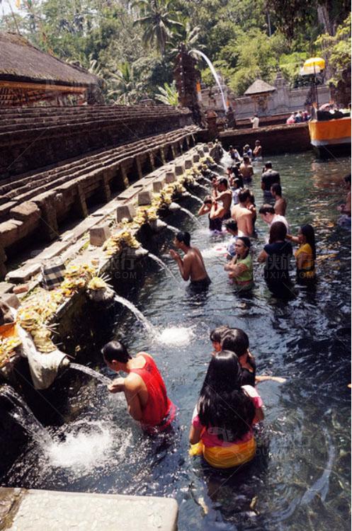 传说中的圣泉