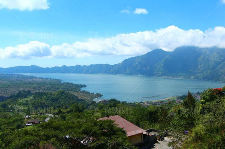 京打玛尼火山湖