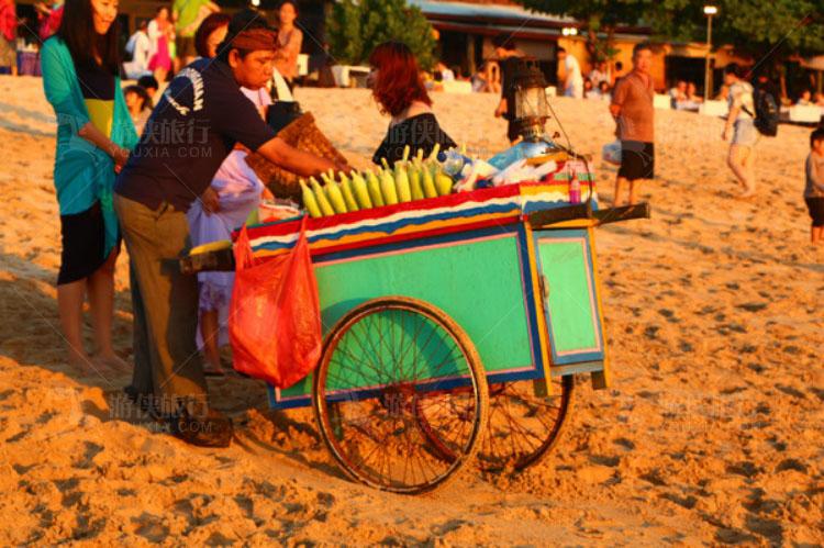 卖玉米的小商贩
