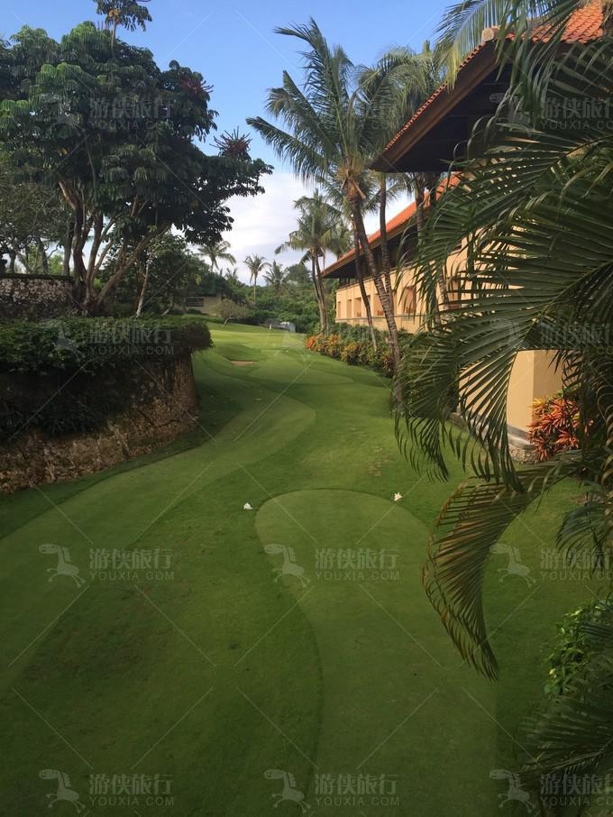 整个酒店就是一个高尔夫球场