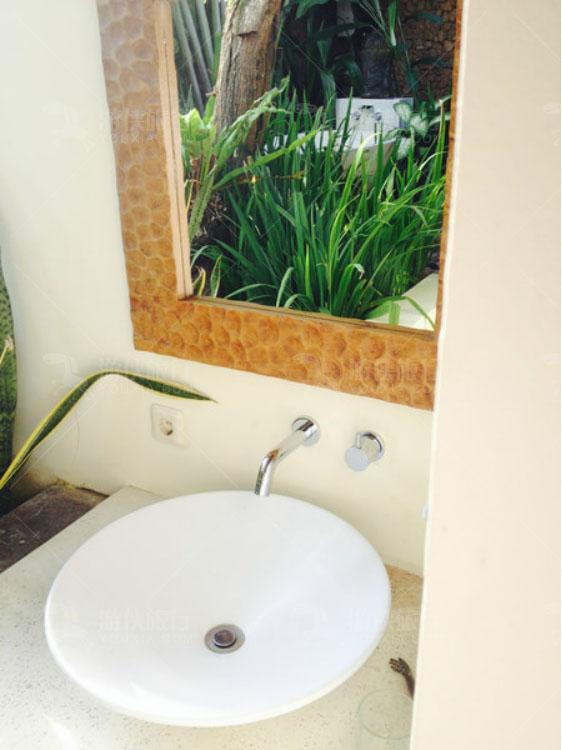 浴室和厕所也是露天
