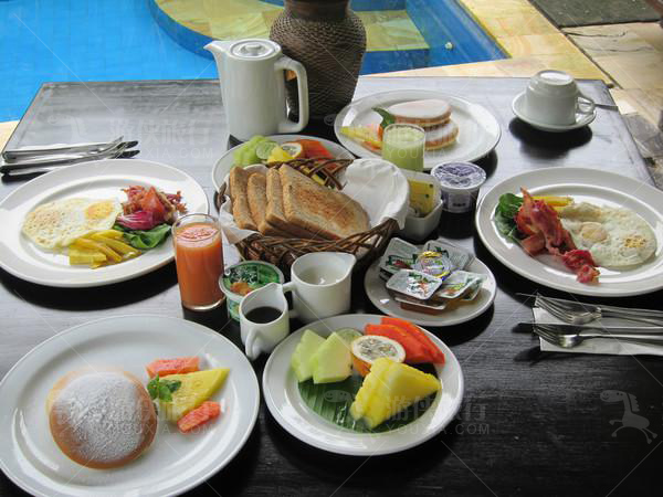 别墅内可以叫早餐服务