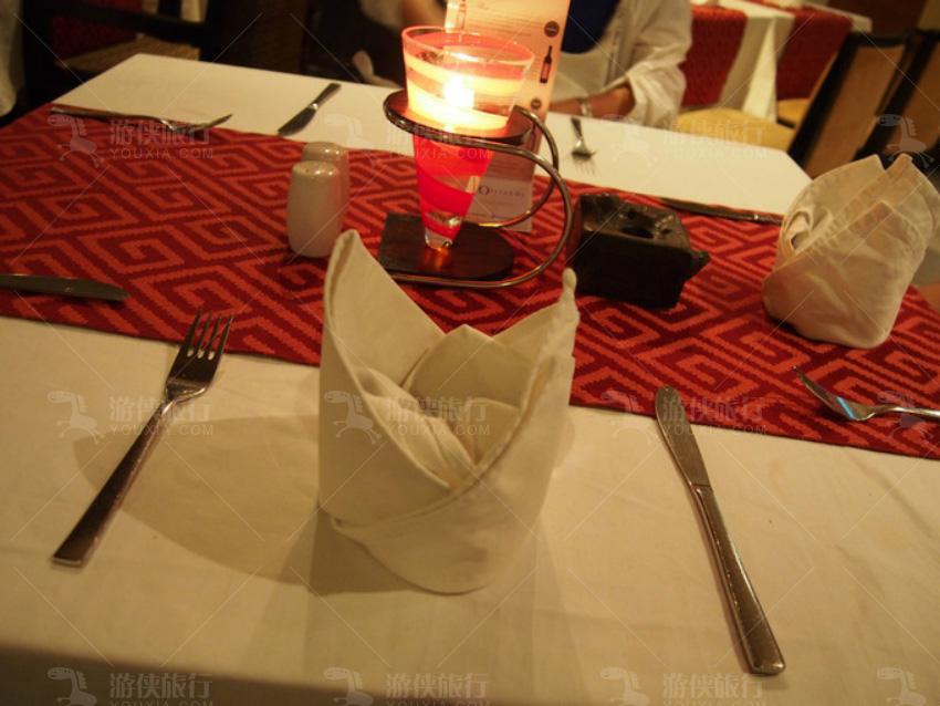 一般餐厅都会把菜单放在外面