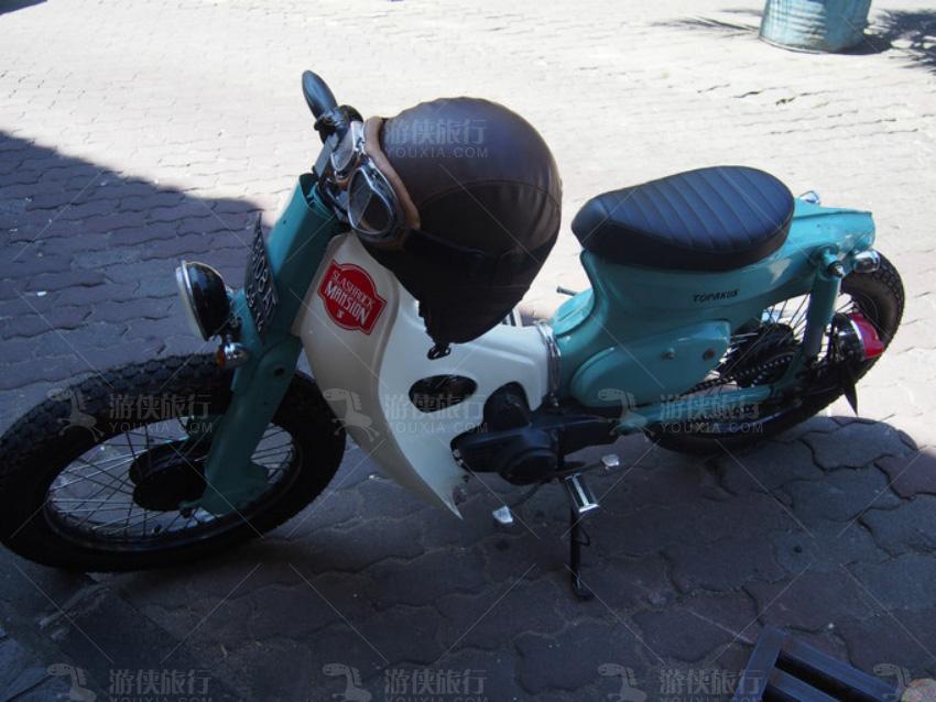 巴厘岛有各种拉风的摩托