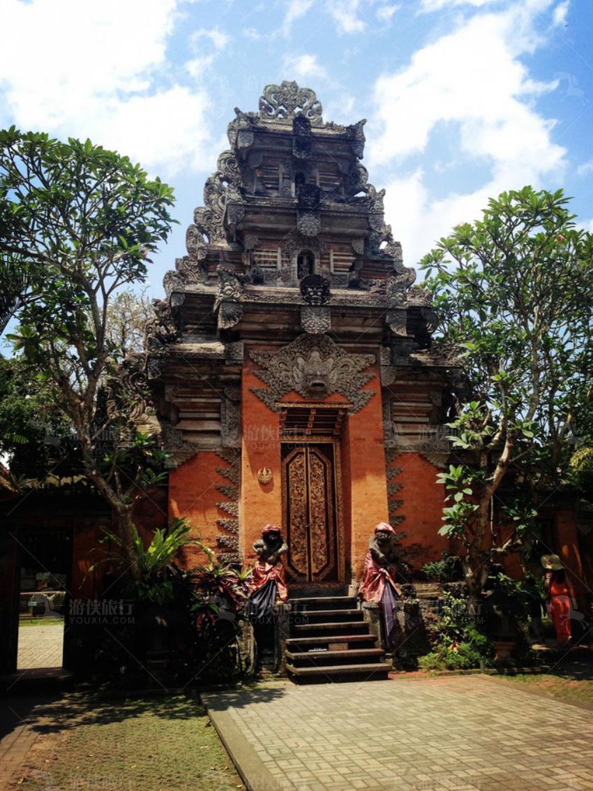 乌布皇宫(Ubud Palace)