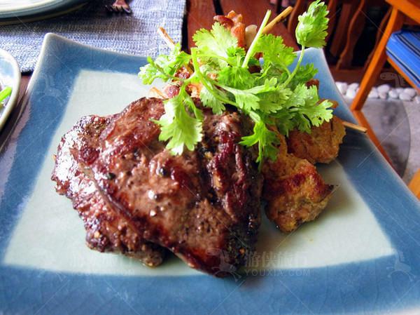主供泰国菜的lotus thai餐厅