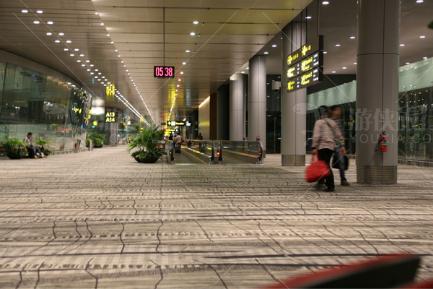 樟宜机场里的旅客