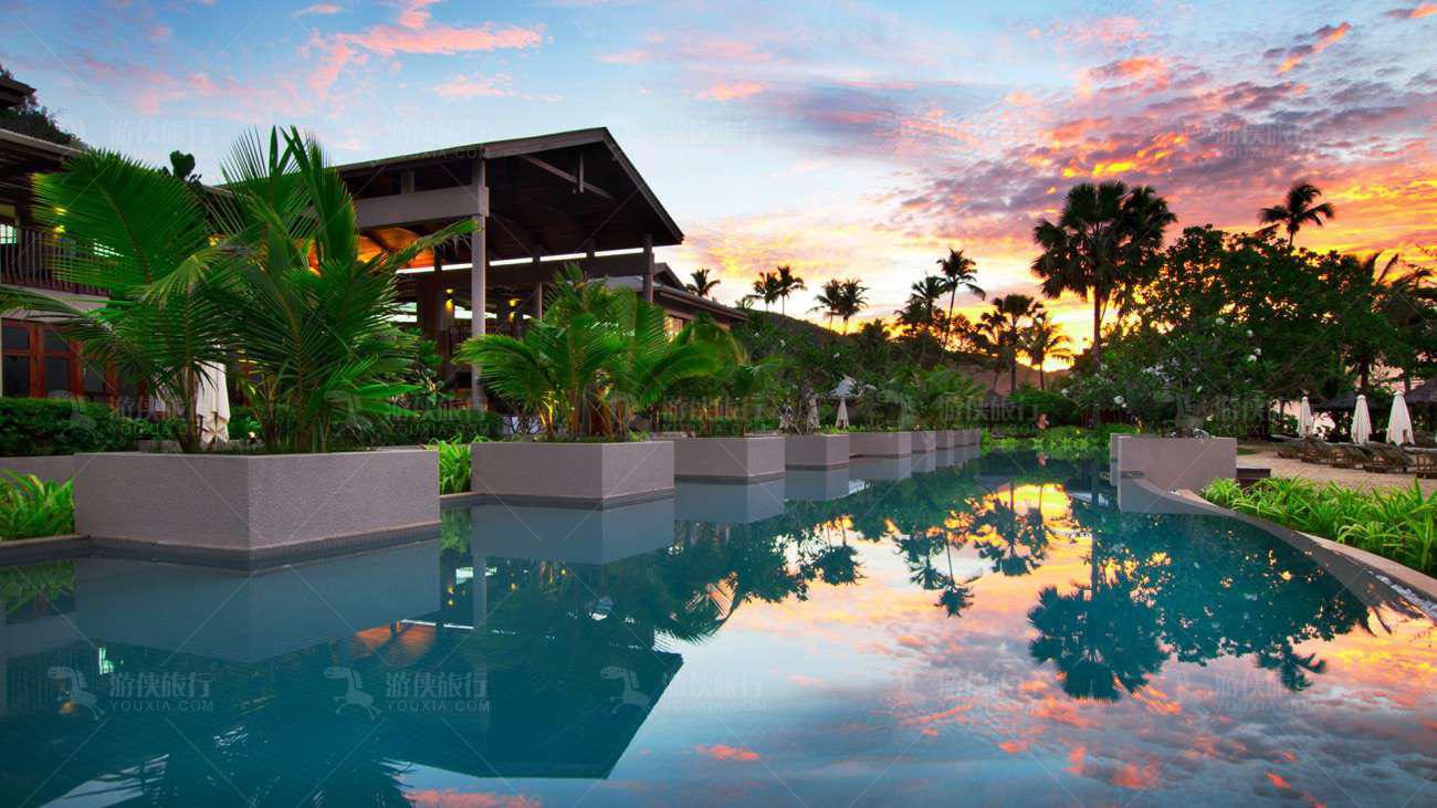 塞舌尔最大的无边游泳池