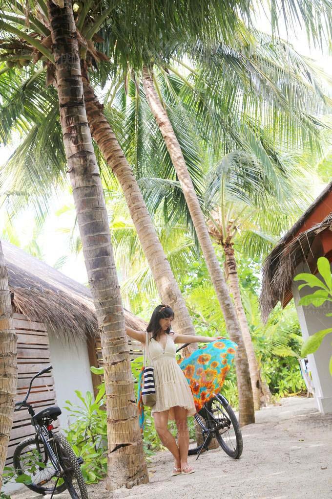 前往豪华沙屋(Beach Villa with Pool)
