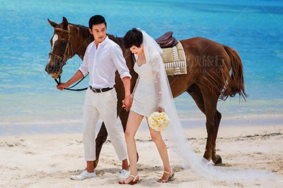 陆毅鲍蕾全新婚纱照