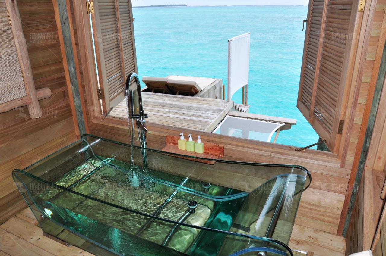 内嵌式海洋观景全玻璃浴缸