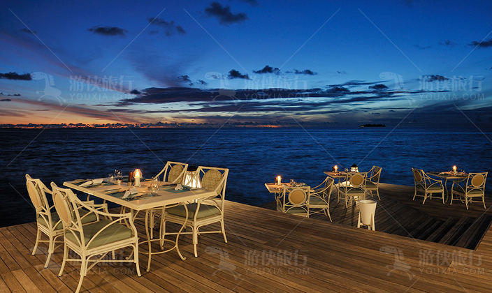 马尔代夫阿雅达岛酒吧