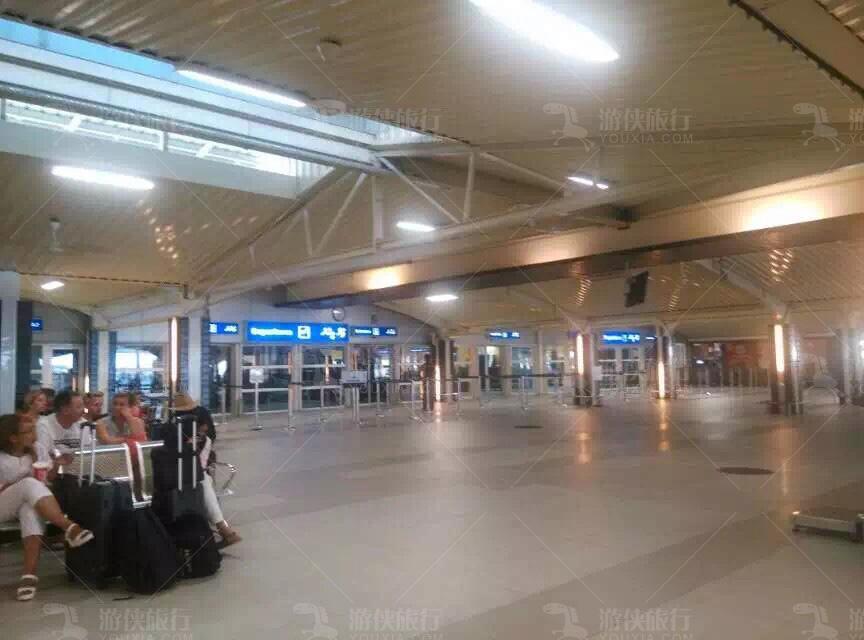马累机场出口
