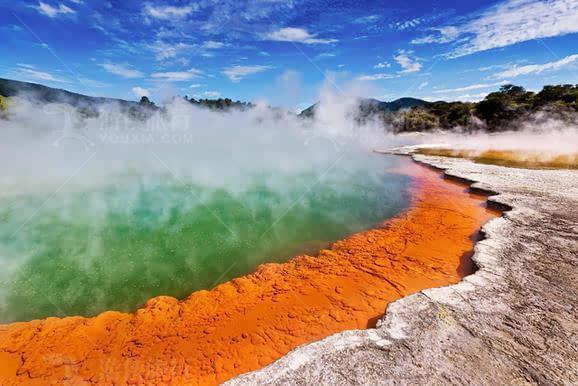 新西兰罗托鲁阿火山温泉