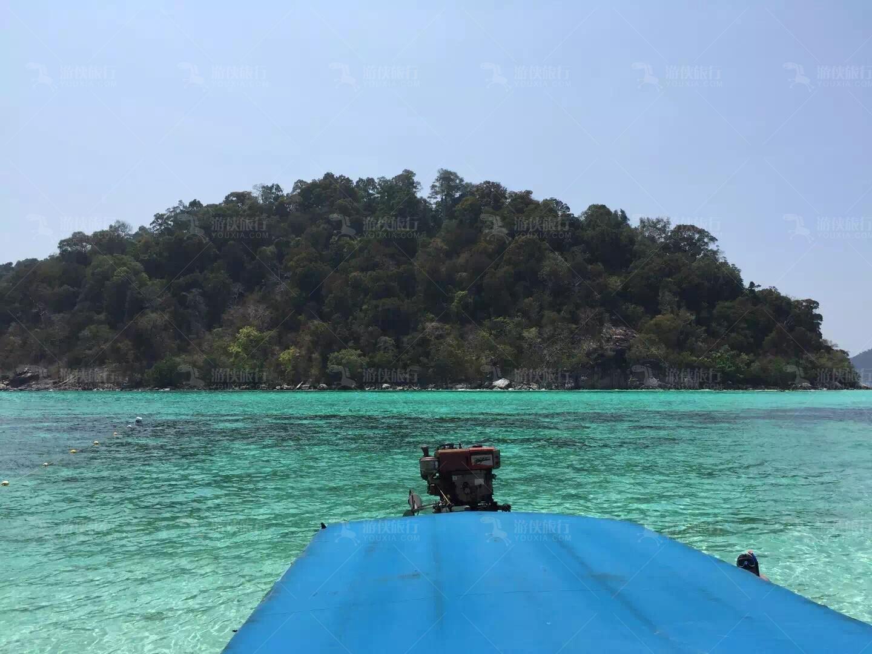 丽贝岛宝石绿海水