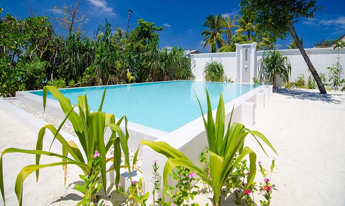 菲诺芙双卧室海滩泳池别墅