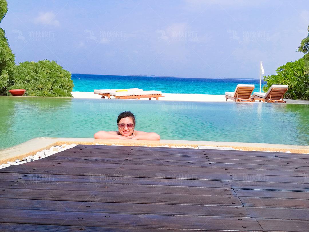 马尔代夫蜜都帕茹岛房间戏水