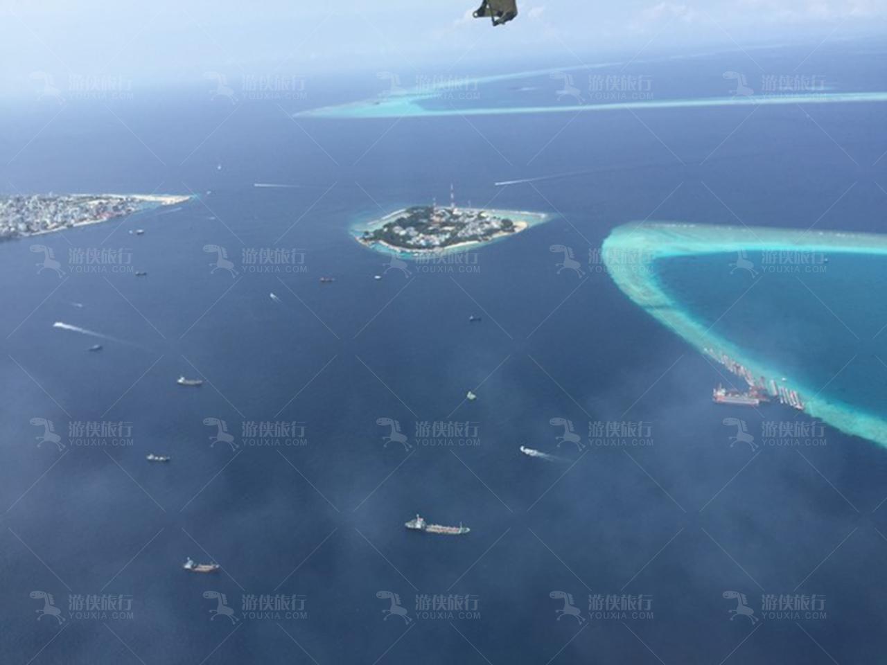 马尔代夫岛屿俯瞰