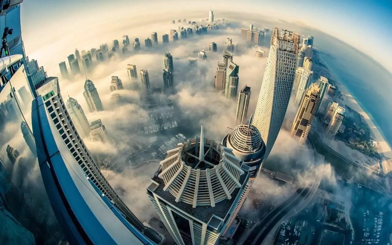 迪拜旋转摩天大楼